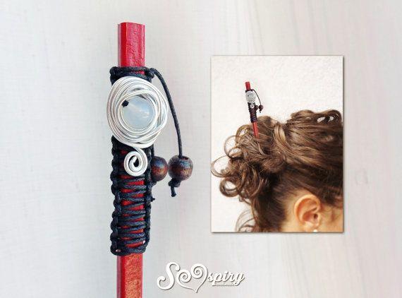 Spillone per capelli di stile hippy o etnico, per tenere fermi i tuoi capelli in modo originale. Pezzo unico. E costituito da una bacchetta cinese di