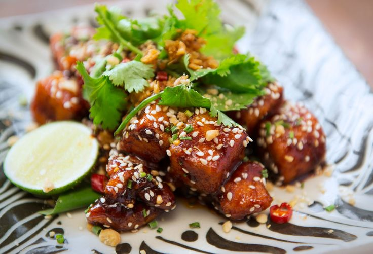 Thai-Vietnamese food is E&Os' specialty and characteristics.