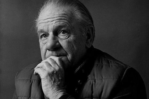 """Lawrence Durrell, le magnifique --- née le 27 février 1912 --- by Thierry Clermont. --- """"Durrell a été le chantre de tous les ailleurs, avec pour moyeu central la Méditerranée, même s'il a passé les trente dernières années de sa vie dans le Languedoc, où l'ex-diplomate-écrivain, journaliste et poète s'est éteint, en 1990, à 78 ans."""""""