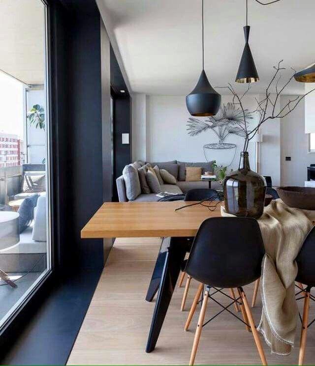 Superschner Edler Essbereich Mit Holztisch Und Moderner Vase