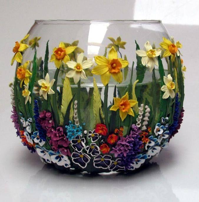 http://polymerclayplanet.blogspot.com/2014/11/vase-by-bright-craft.html