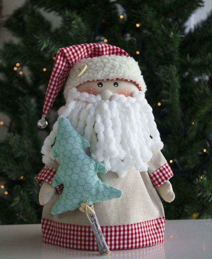 E como novos desafios se avizinham, há que planear tudo com antecedência. Apresento-vos o meu Pai Natal! Um projecto perfeito para Workshop dada a simplicidade de execução. E que de certeza vai dar alegria a toda a casa. Em breve estará também disponível em Kit Costurar