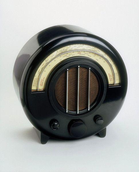 Ekco AD-65. Radio: Place of origin:  southend on sea, England (made)    Date:  1932 (designed)   1934 (manufactured)    Artist/Maker:  Wells Coates, born 1895 - died 1958 (designer)   E. K. Cole Ltd (manufacturer).