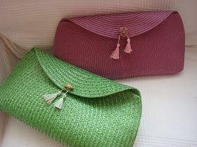 Me encantan los bolsos, todos, de bandolera, grandes, de todos los colores, formas y tamaños.   Y para las largas tardes de verano o para s...