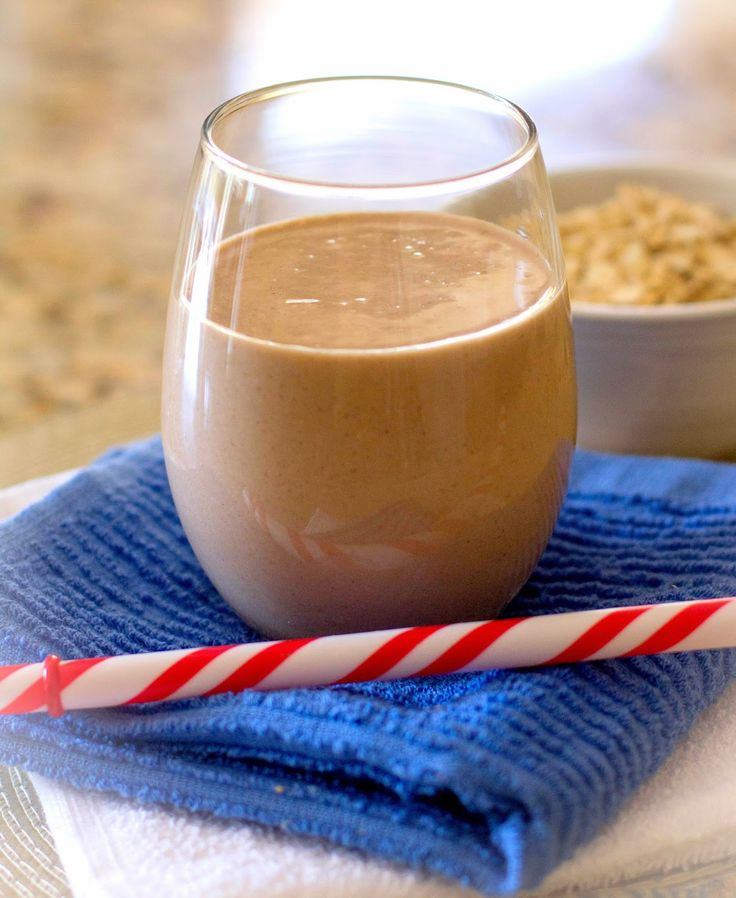 Grain Crazy: Creamy Peanut Butter Chocolate Oatmeal Smoothie #sponsored