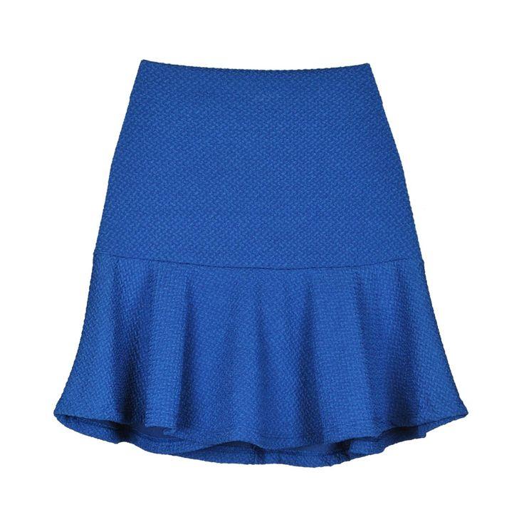 Mini falda azul de mujer.