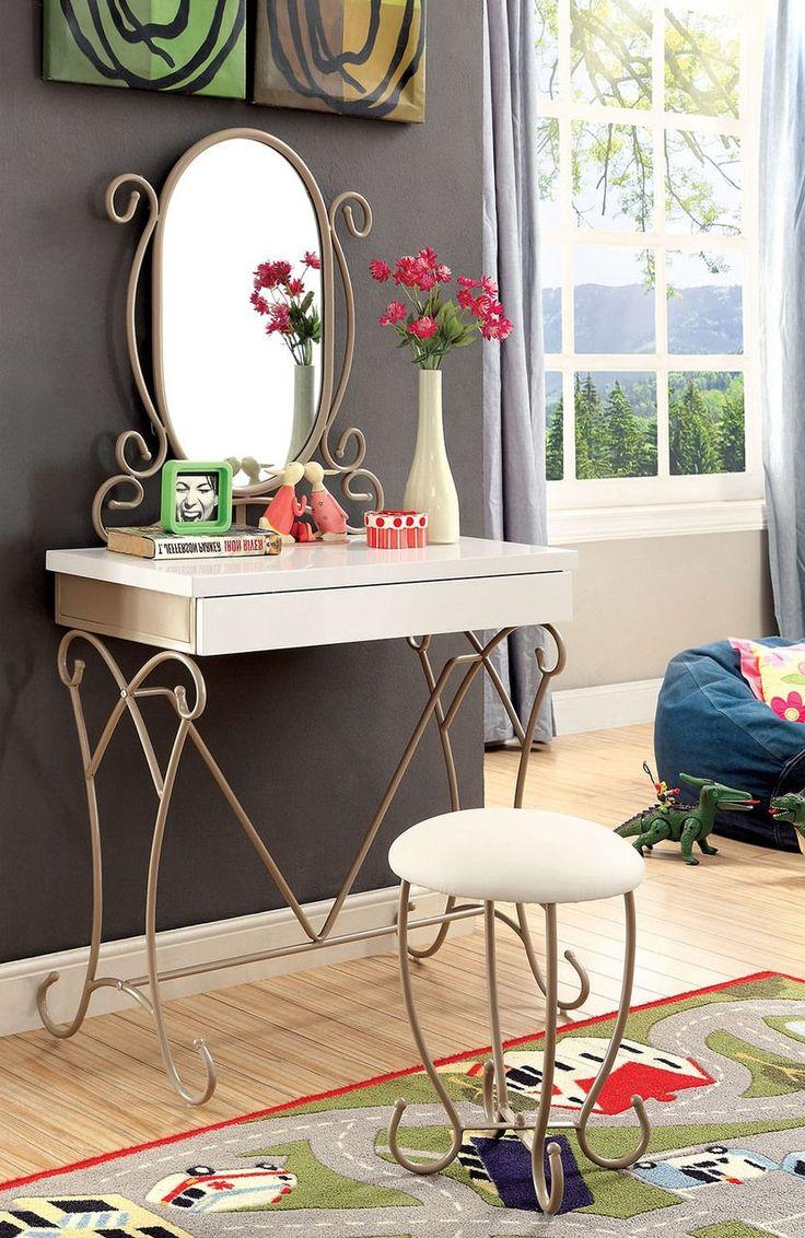 How to arrange a bedroom vanity sets in 2020 Bedroom