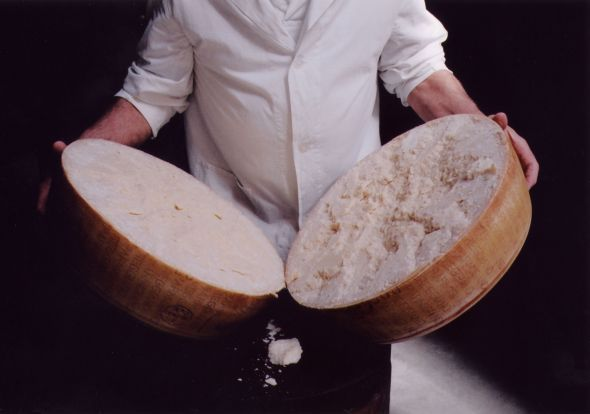Parmigiano Reggiano, Italy (photo by www.parmigiano-reggiano.it)