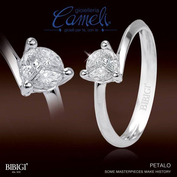"""Vuoi chiederle di condividere il tuo progetto di vita con te? Falle dire """"sì"""" con un petalo... #Petalo è l'anello di fidanzamento #Bibigì in oro bianco e diamanti in 3 pietre di taglio che moltiplicano la luce all'infinito.   Scoprilo da Cameli!  #MonteUrano #gioielli #anelli #fidanzamento"""