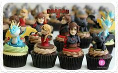 How To Train Your Dragon 2 cupcakes by Fernanda Abarca Cakes.  Commissioned by Dreamworks Animation.