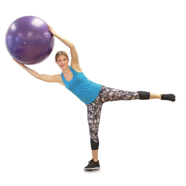 S'entraîner avec un ballon, ça casse la routine et ça permet en prime de travailler nos stabilisateurs. Abdos, jambes, dos, bras: ce circuit complet vous permettra d'améliorer votre musculature… et votre équilibre! À votre ballon!