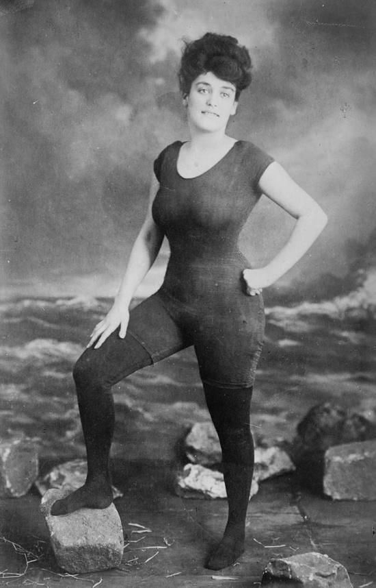 Australian Annette Kellerman promoted women's right to wear a fitted one-piece bathing suit, 1907. She was arrested for indecency.  She's also a rather curvy gal and seemingly proud of it.