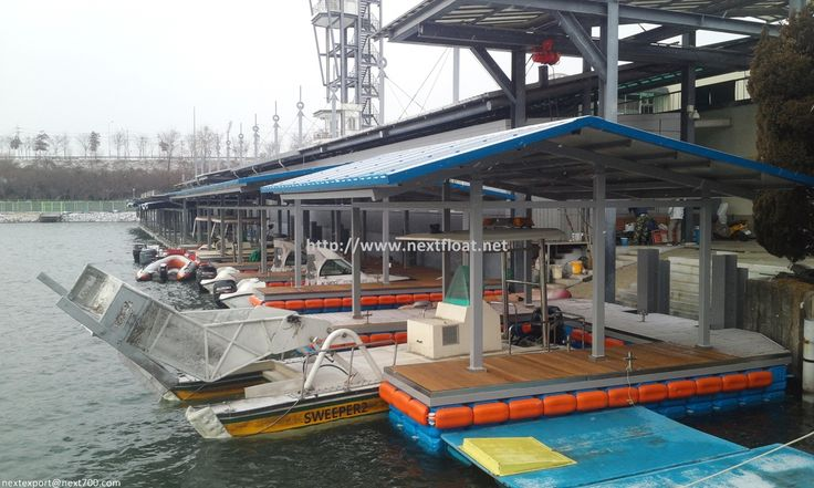 Floating JET BOAT fields in Korea. This is unique race-park which you can only see from few countries. FLOATING PLATFORM for the jet-ski racers.