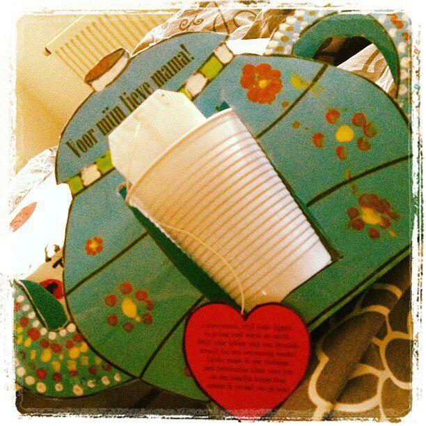 Idee moederdag: Theepot met bekertje met theezakje