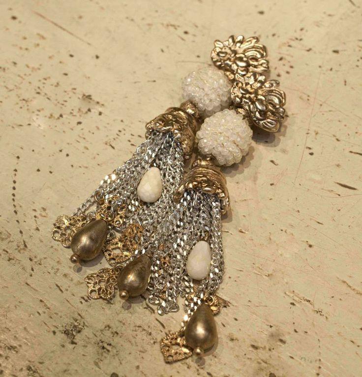 Beautiful stones and pearls #gioielli #jewlery #accesories #elegant #giuseppinafermi #madeinitaly