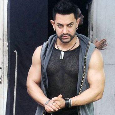Aamir Khan sports rocker hairstylefor Dangal
