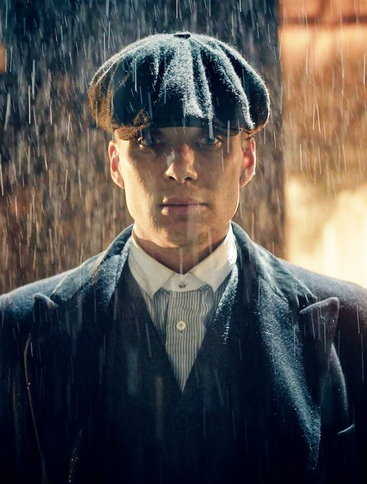 Lost puppy Tommy Shelby caught in the rain. Gorgeous new Peaky Blinders series 2 stills po...