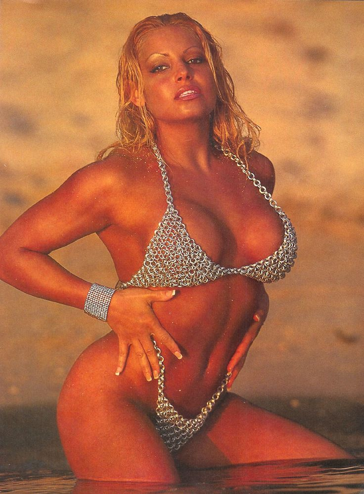 Trish Stratus In A Bikini 8