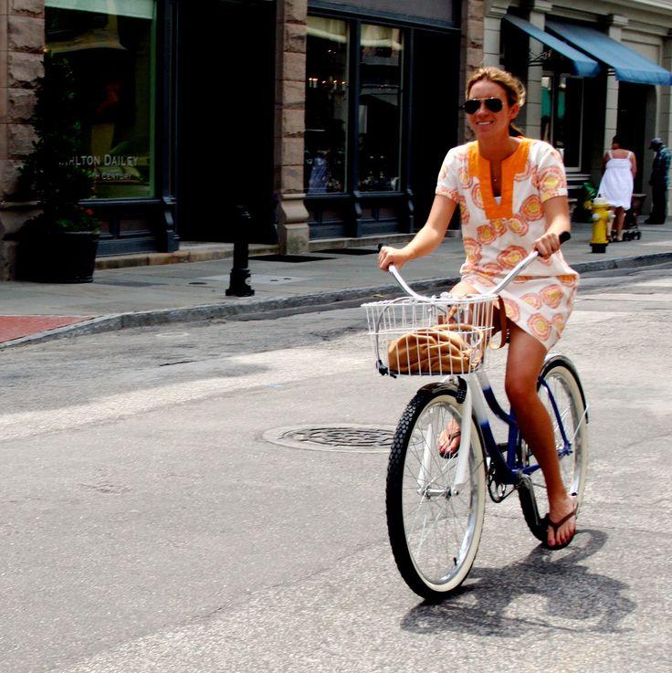 """Quem viu o Tamanho Único na sexta-feira? Adorei a matéria sobre o movimento """"Cicle Chic"""", aquele que defende o uso de roupas """"normais"""" para ..."""