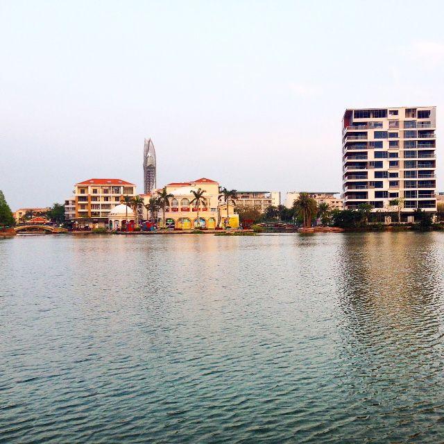 Южный  КитайЮ  г.  Шэньчжень.  район Дамейша. Это городской пляж.