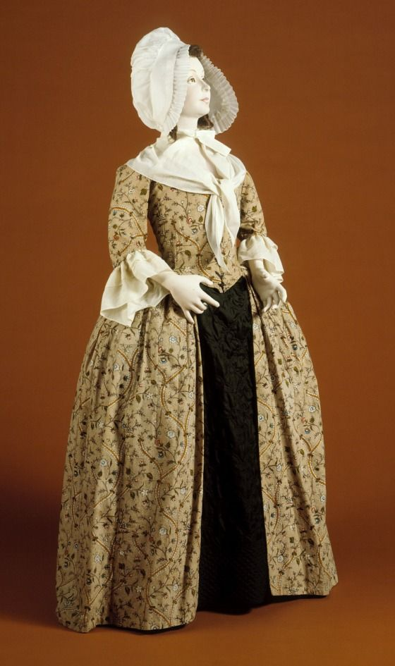 Womans Robe à lAnglaise (Close-bodied Gown) | England, textile 1770s-1780s; construction late 1780s LACMA Collections