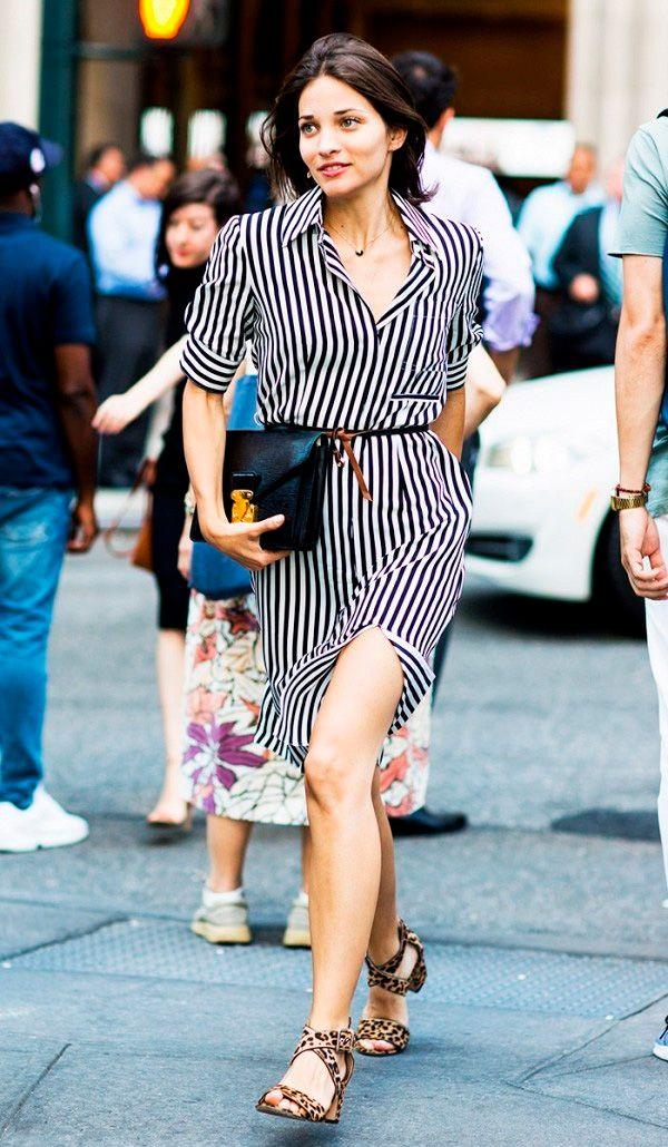 vestido listrado com sapato de oncinha