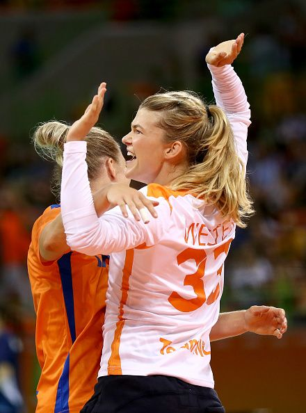 Tess Wester of Netherlands celebrates her goal in the first half against Argentina on Day 3 of the Rio 2016 Olympic Games at the Future Arena…