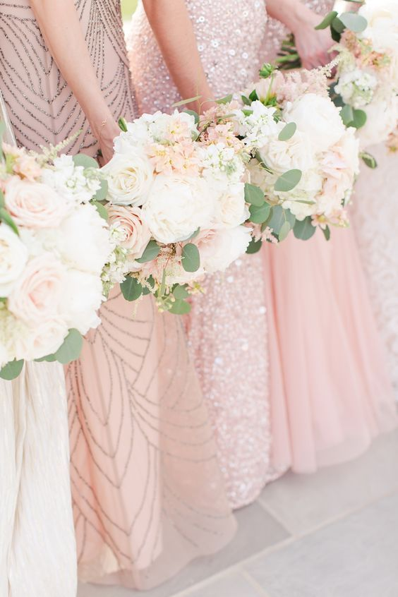 Glittery rose gold & blush bridesmaid dresses | i take you #blushbridesmaids