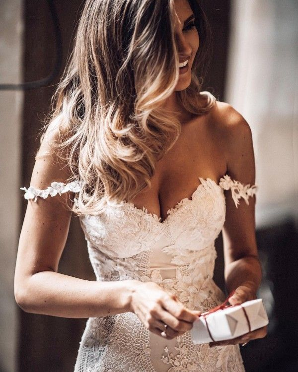 Hochzeitskleid von den Schultern in Spitze   – FanTT