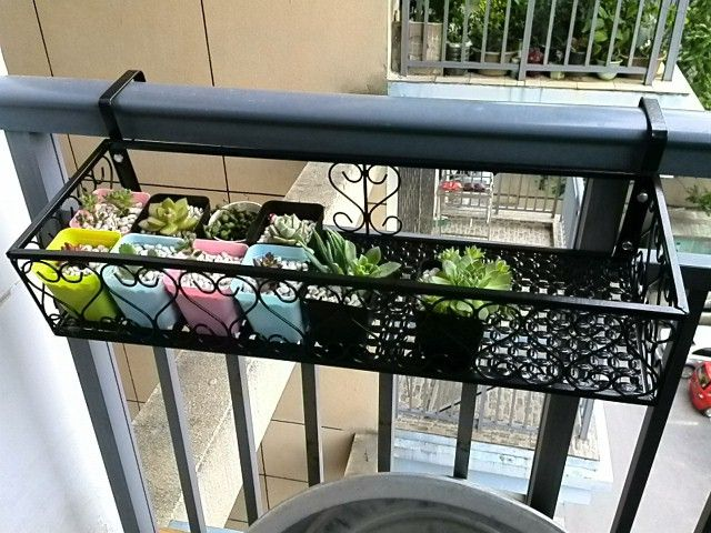 Wrought iron railing fence flower pots hanging rack rack - Planters to hang on railing ...