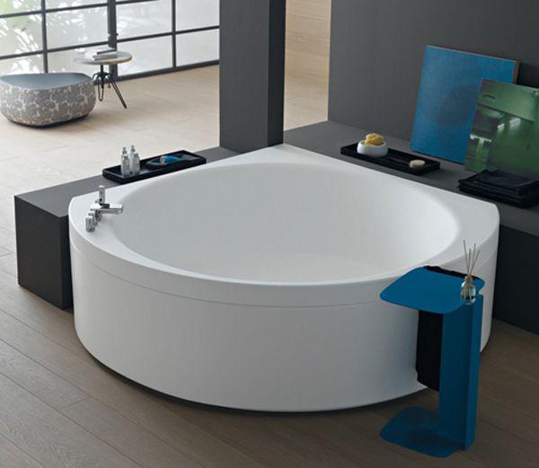 corner bathtub on pinterest corner tub corner bath and small corner