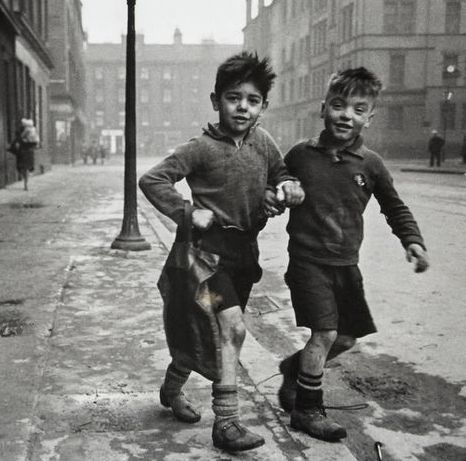 U.K. The Gorbals, Two boys in Clelland St,, Glasgow, 1948. // Bert Hardy.