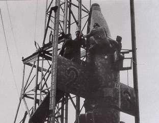Lothar Sieber besteigt die Abfangrakete Natter 1945- erster bemannter Raketenstart der Welt endet tödlich...