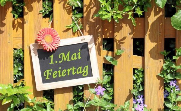 Wenn der Tag der Arbeit auf einen Montag fällt, dann haben wir uns eine echte Auszeit verdient   Nutze den 01. Mai doch für eine kleine Auszeit in Deinem Lieblingshotel - wir freuen uns auf Dich!  Dein BayernwinkelTeam  http://www.bayernwinkel.de/kurzurlaub-zum-1-mai  #urlaub #urlaubsangebot #feiertag #erstermai