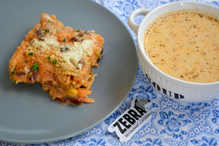 Ciorba de gulii (400ml) Lasagna mexicana (300g)