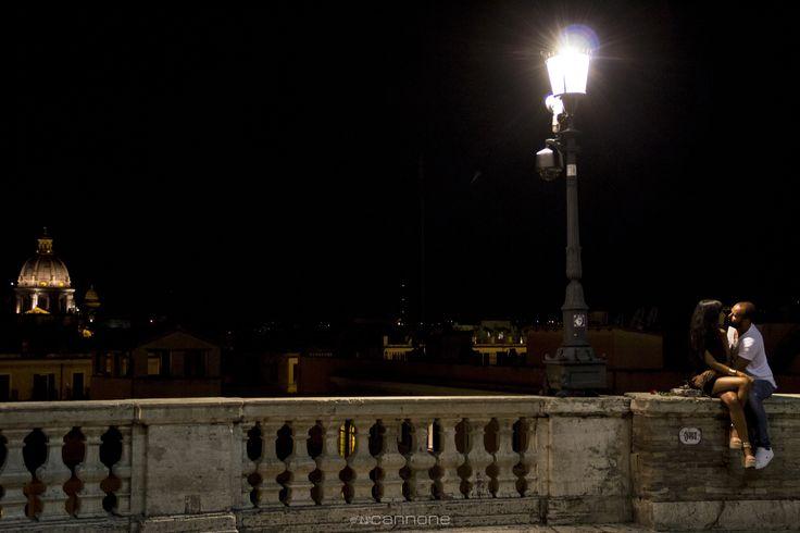 """Roma nun fa' la stupida stasera Roma nun fa' la stupida stasera (song by R.Rascel)  """"In quella notte si promisero amore eterno, come la città in cui si innamorarono"""" Roma, la città eterna. (SC) """"That night they promised eternal love , as the city in which they fell in love."""" Rome, the eternal city  #rome #roma #italy #italian #lovers #cityscape #night #eternal #love #street #streetphotography #kiss #silviacannone"""