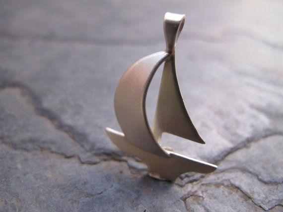 Hand gefertigt Silber Segelboot von simplyMegA auf Etsy