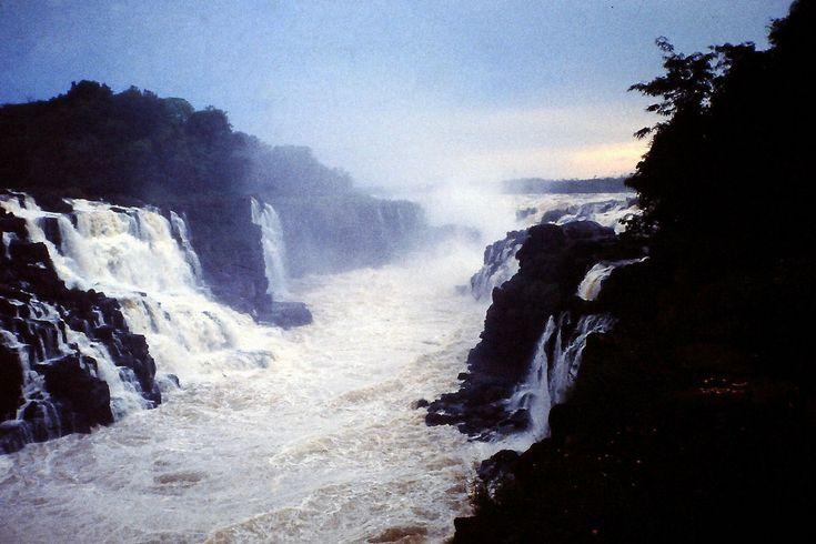 Salto de Sete Quedas: a maravilha natural inundada por um lago artificial 07