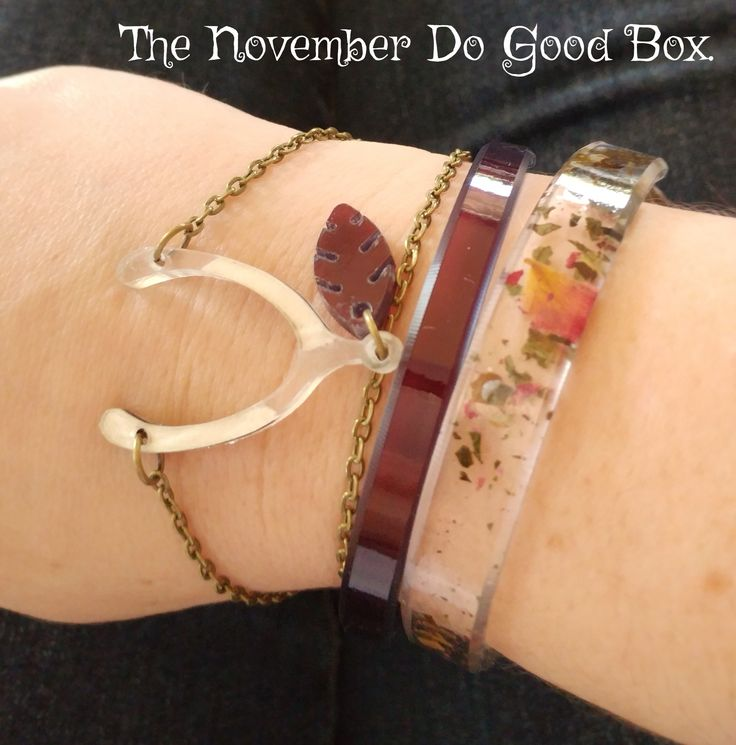 This beautiful arm swag featuring organic cotton from Senegal, a Marrakech Mint tea and deep, lush maroon interlayers are all a part of the Color By Amber November Do Good Box. Jewelry making a difference.