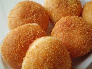 Roti Goreng dari namanya kayaknya enak banget ni sering paling kita denger roti kukus bakar atau lainya nah gimana ya kaloroti kalo kita goreng pasti rasa