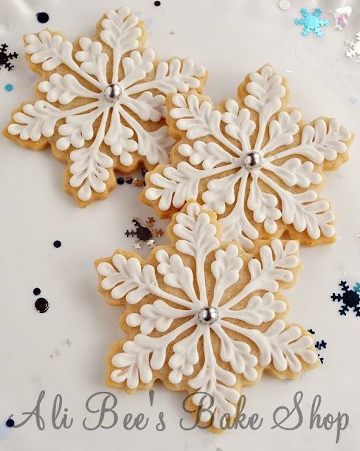 ❥ beautiful iced snowflake cookies