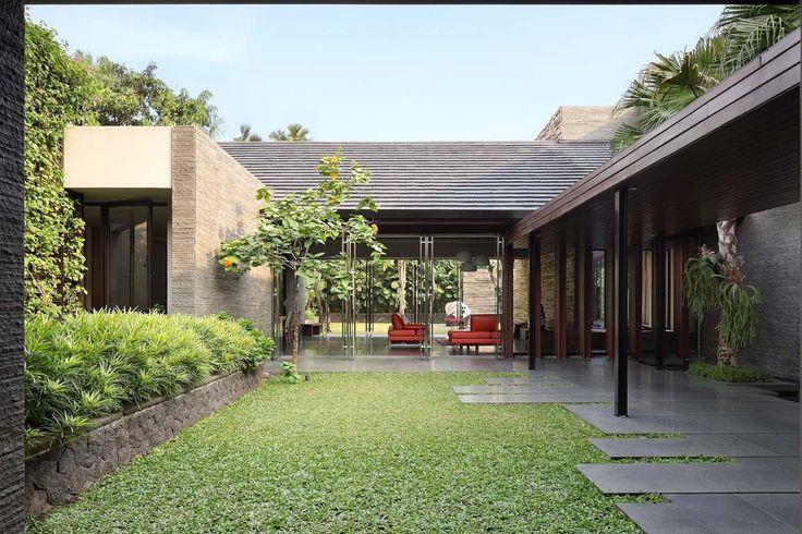 Gallery of Diminished House / Wahana Architects - 8