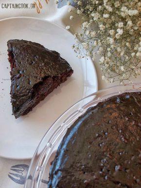 Νηστίσιμη Σιροπιαστή Σοκολατόπιτα ( απο το Not Quite Nigela) Υλικά (Φόρμα 26 εκατοστά) 1 1/2 κούπα αλεύρι για όλες τις χρήσεις κοσκινισμένο (μετράμε και κοσκινίζουμε) 1 1/2 κούπα καστανή ζάχαρη 6 κουταλιές της σούπας κακάο κοσκινισμένο (μετράμε και κοσκινίζουμε) 1 1/2 κουταλάκι μαγειρική σόδα 1 κουταλάκι του γλυκού αλάτι 1 1/2 κούπα χυμό πορτοκάλι ή νερό ή αμυγδαλόγαλα ή γάλα καρύδας Ξύσμα απο ενα πορτοκάλι (προαιρετικά)  2 κουταλιές της σούπας ταχίνι 1/2 κούπα ελαφρύ ελαιόλαδο ή σπορέλαιο 2…