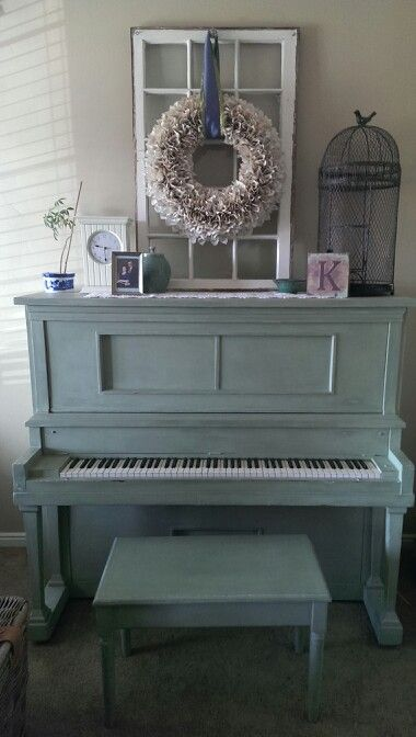 painted piano....love it! I want a piano to paint!