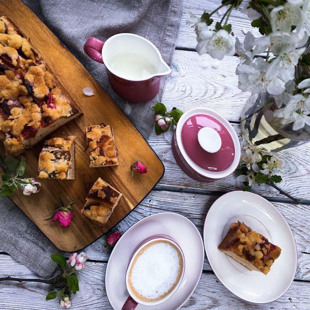 szczypta smaQ: Ciasto drożdżowe z rabarbarem w syropie cynamonowy...
