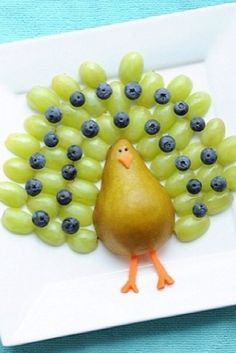 A fruit peacock! I will be making this for the kids.