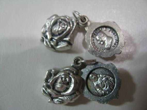 Médaillon Vintage médaille d'argent du Rosaire par alexandracadena