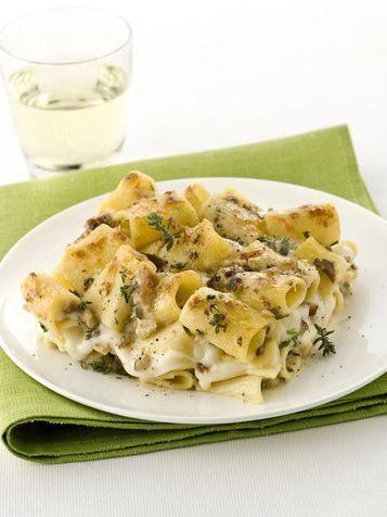 Pasta al gratin con funghi e mozzarella