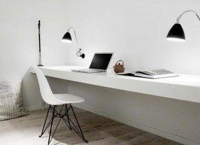 Werkplek met witte blad. Werkplek waar kun je goed concentreren. Norm Architects