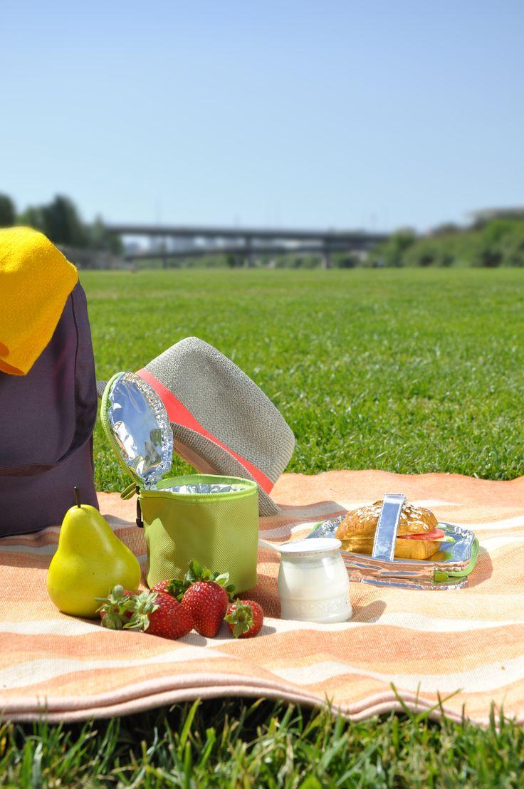 Frut Yog Bag, una bolsa congelable para el yogurt o la fruta. 4 horas en el congelador, y después ¡tu comida fresca 4 horas más!